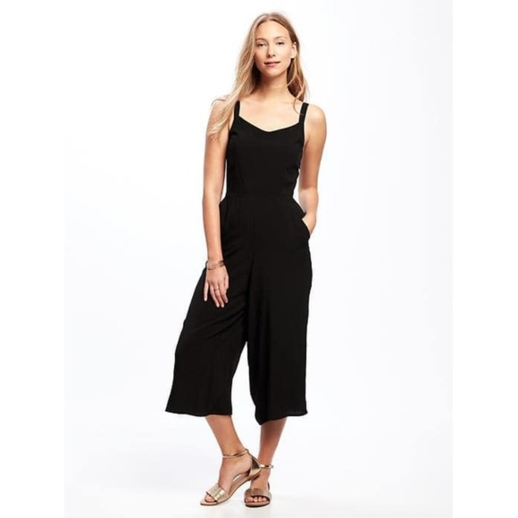 d275a380c7a Old Navy Sleeveless Culotte Jumpsuit Black M. M 5b943738c89e1df7fe6d2d83